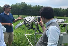 太陽光発電所を見学